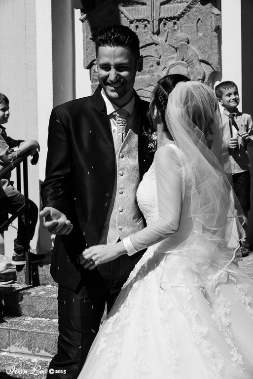 laura-e-stefano-married_21009452869_o