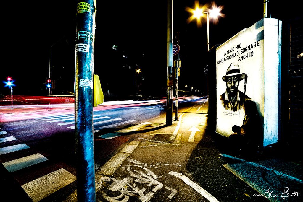 Lucio Dalla murales on bologna night